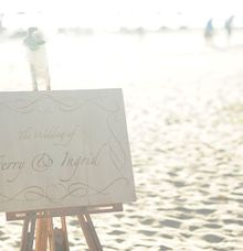 Wedding Sign Board by IndoEngrave