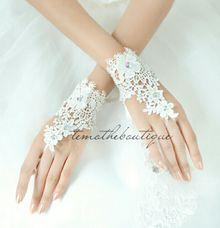 Flower Lace Diamond by Temothe Boutique