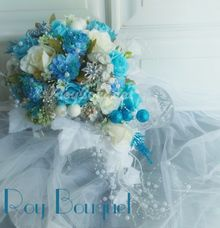 Winter Bridal Bouquets by Roy Bouquet