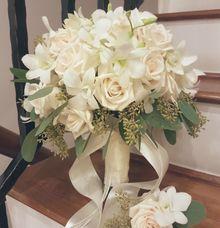 Standard Bridal Bouquet (Julie♡Eric) by Dorcas Floral