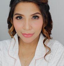 Maternity Makeup Look by Kezia Evelina Larisa Makeup Artist