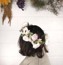 Flower Crown by Kadi Atelier
