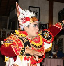 Tuesday Night Entertainment in Puri Mas by Puri Mas Lombok