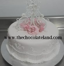 1 tier wedding cake with pink flowers sugar B by The Chocolate Land