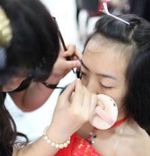 fashion makeup by Levina Giovanni MakeUp Artist