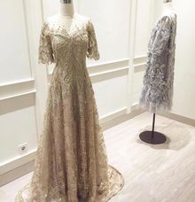 Andhy Kartika (Mothers) by Berta Chandra Couture
