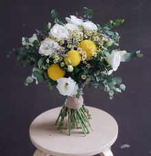 Rustic Themed Hand-tied Bouquet by GIVASAÉ Flower Specialist