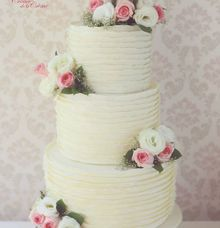 The Wedding Cake of Stephanie & Dicky by Creme de la Creme Bali