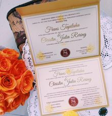 Rich Gold Invitation by Buttercup Decoration