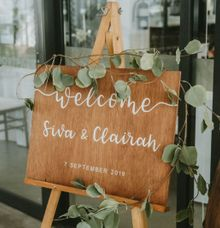 Wood Wedding Welcome Sign by The Jomu Co