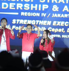Workshop Strategi Bisnis Leadership & Awarding Bank Mandiri Region IV / Jakarta 2 by Wildan Fahmi MC