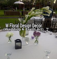 Guest table flower Centerpiece by W Floral Design (wedding & event decoration) in Bali