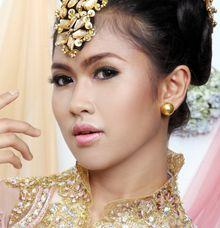 graduation basic make up course by Mezuira MakeUp & Hijab Style