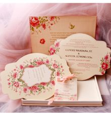 Luxe invitation box with single hard box invitation by Sempurna Invitations&Gift