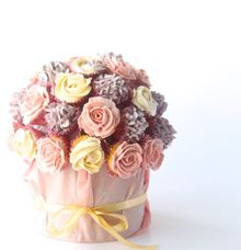 Mini Cupcake Bouquet by The Artisan's Apron