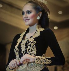 Exhibition by D&D Professional Make Up Artist & Kebaya By Dindin Nurdiansyah
