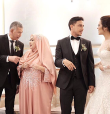 Raisa & Hamish Mother of the bride by Anggi Asmara