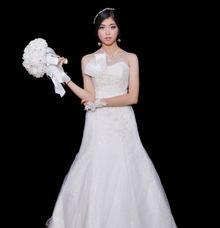 WEDDING GOWN VII by JCL FOTO BRIDAL SALON