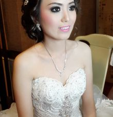 Ms. Indri wedding day by Syen makeup artist
