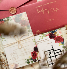 WEDDING INVITATION Maroon envelope & wax seal by ChiffonCraft