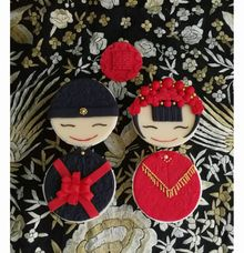 Chinese bride and groom cupcake gift set by Scones n Whatever by Kim Teo