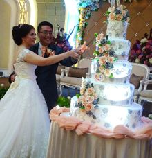 happy wedding Wisnu  by Pelangi Cake