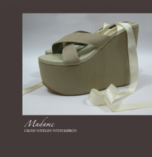 Cross Wedges with Ribbon by Madame