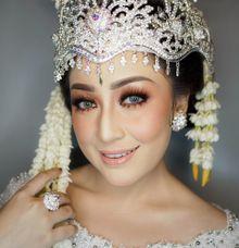 Pengantin Sunda siger by Dita.tanmakeupartist