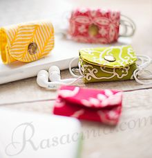 BATIK GARUTAN EARPHONE HOLDER by rasacinta