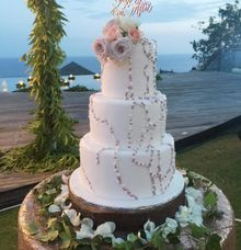 Pearl In Rose Gold by Sugaria cake