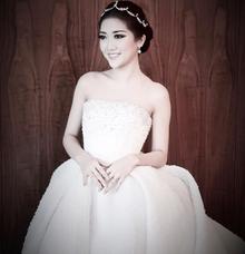 Luxury simple crown  by EPA JEWEL BRIDAL