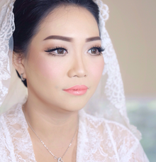 Bride morning makeup by Makeupbyimelda