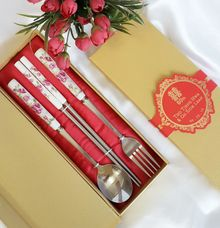 Big Spoon Set - Tho Tjeng Hwa & Go Siok Lean by Red Ribbon Gift
