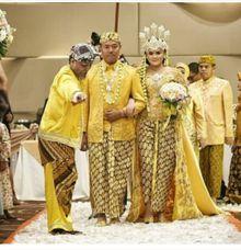 Kirab Pengantin Sunda by Sanggar Rias Indah