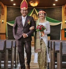 Alexander and Petra Wedding by Solo Baru Int. Tailor