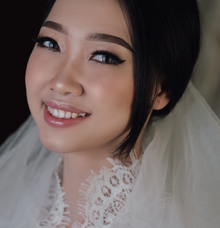 Wedding makeup for Ms Hannie by Rere Hou Make-Up Art