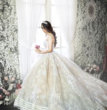 Flawless Antoinette by CUCU FOTO BRIDAL