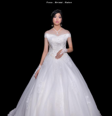 WEDDING GOWN XXXX by JCL FOTO BRIDAL SALON