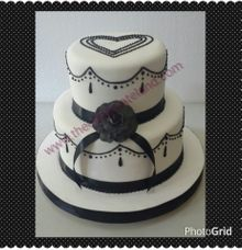 Black and white wedding cake by The Chocolate Land