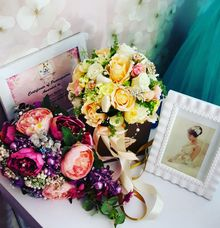 Beautifull Hand Bouquet Collection For Our Brides by NoV Bridal House