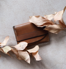 Leather Card Holder for Wedding Gifts by Molusca Project