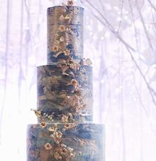 Winter night theme wedding cake by Oursbake