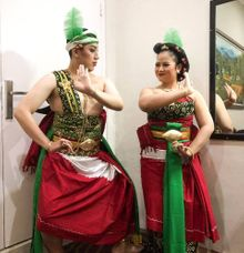 Tari Pasihan (Karonsih / Driasmara / Endah / Lambangsih) by RnR Art Production