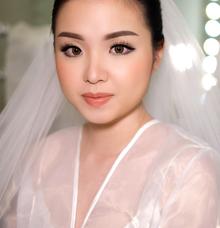 Wedding makeup and hairdo by Silvia Jonathan