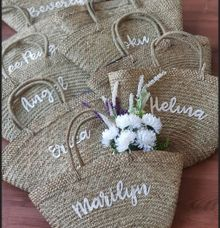Bag for souvenirs by Vinas Invitation