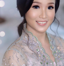 Pretty client by Tirza Vania