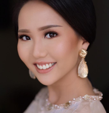 Engagement makeup by Tirza Vania