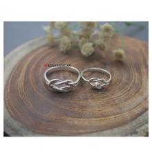 Infinity knot ring with diamond by Toko Emas Kesayangan