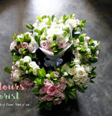 Bride And Bridesmaids Bouquet by Colours Florist